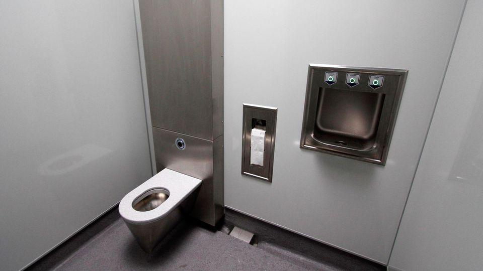 Eine Toilettenkabine in einem Einkaufszentrum