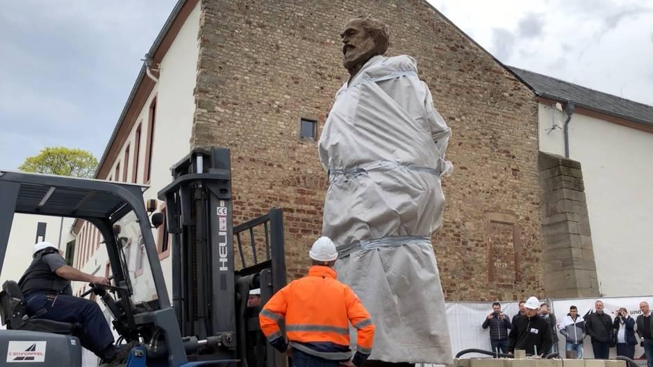 200. Geburtstag: Stadt Trier stellt Karl-Marx-Denkmal auf - doch die Bronzestatue sorgt für Zwist