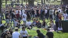 Abiturienten in Karlsruhe feierten ihr schriftliches Abitur (Symbolbild)