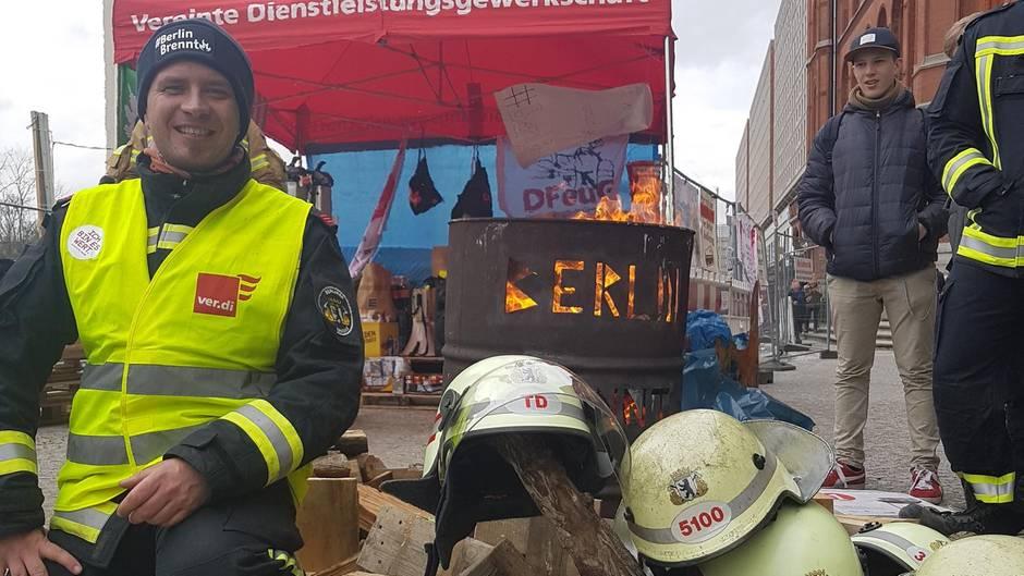 Stefan Ehricht (39) ist Feuerwehrmann in Berlin und Betriebsgruppensprecher bei der Gewerkschaft Verdi