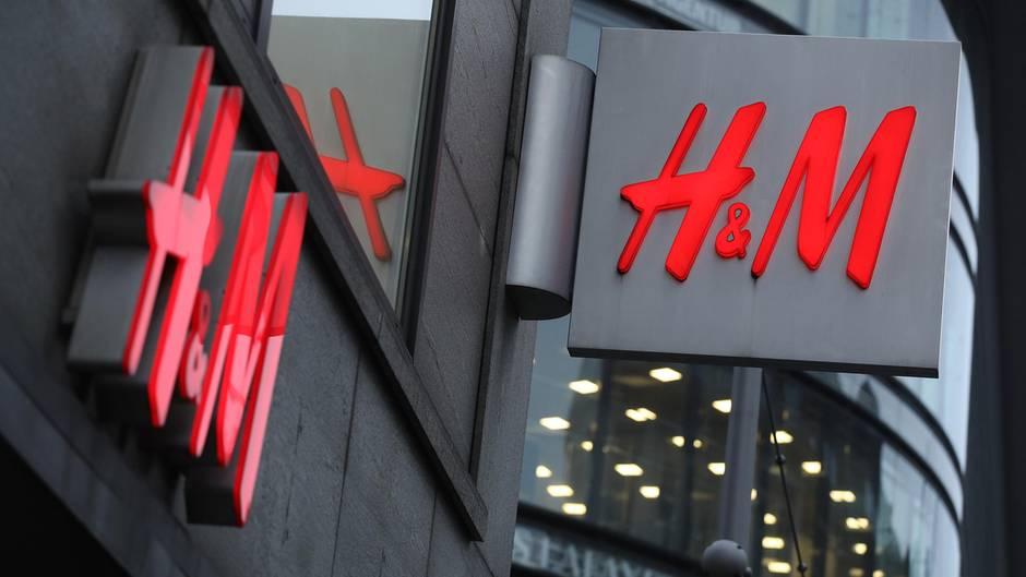 Facebook-Kommentare: H&M-Onlineshop: Lange Lieferzeiten verärgern Kunden