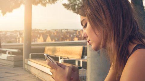 Selbstwert: Handy-Besessenheit: Wenn die Sucht nach Bestätigung dich auffrisst