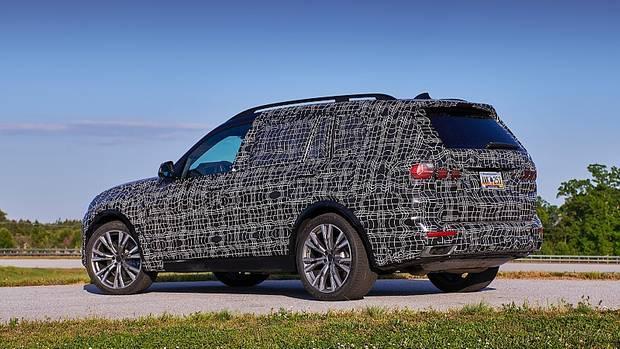 Den BMW X7 wird es ab 2,3 Tonnen Leergewicht geben