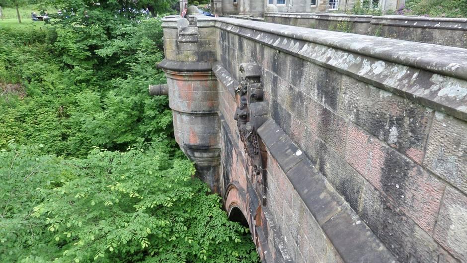Ein Foto der Overtoun Bridge