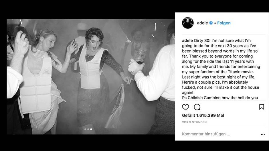 Adele tanzt in edlem Kleid und Rettungsweste mit anderen Menschen