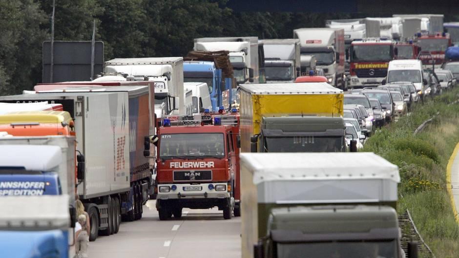 nachrichten deutschland - rettungsgasse missbraucht