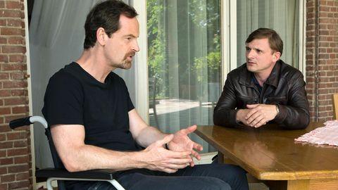 """Jörg Hartmann und Florian Lukas in """"Weissensee"""""""