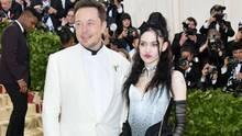 Elon Musk mit Freundin Grimes auf der Met Gala