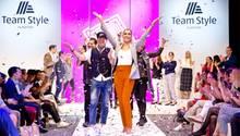 Aldi veranstaltete eine Fashion-Show für die neue Dienstkleidung