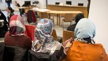 Frauen mit Kopftüchern