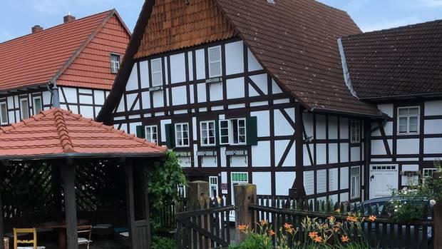 Wilhelm Busch erlebte einen Teil seiner Kindheit im Haus des Müllermeisters im niedersächsischen Ebergötzen, wo heute ein Museum steht