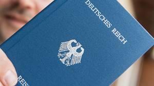 """Medienbericht: Bundesverkehrsministerium will mutmaßlichen """"Reichsbürger"""" in den eigenen Reihen feuern"""