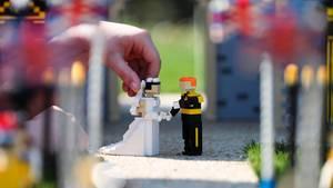 Harry und Meghan als Lego-Figuren