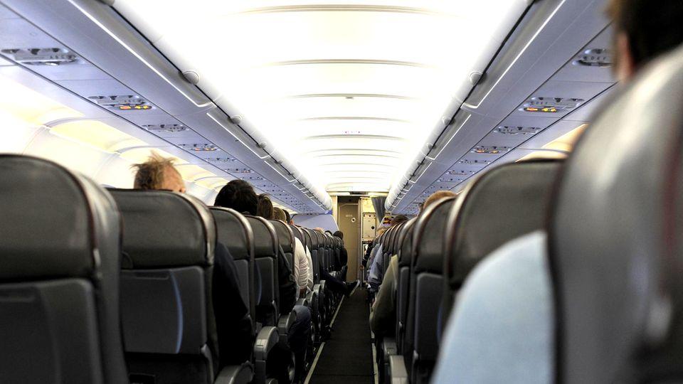 Umfrage: Passagier-Marotten: Was im Flugzeug am meisten stört