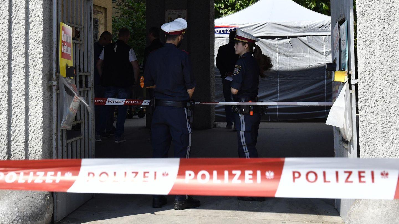 In einer Wohnhausanlage in Wien ist die Leiche einer Siebenjährigen gefunden worden