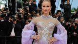 """Mit diesem Kostüm könnte sie auch bei """"Let's Dance"""" auftreten: Das russische Model Natasha Poly in Versace."""