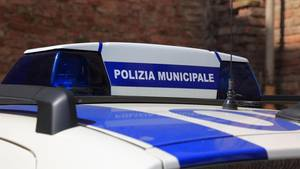 Polizeiauto in Italien: Symbolfoto für Festnahme nach Gruppenvergewaltigung