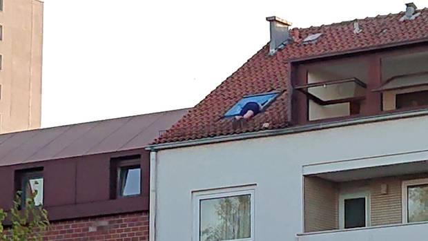 nachrichten deutschland - einbrecher in fenster