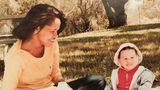 """Nach der Trennung ihrer Eltern wuchs Meghan Markle bei ihrer Mutter Doria Raglandim San Fernando Valley, einem Vorort von Los Angeles, auf. Die 61-Jährige arbeitete zunächst als Maskenbildnerin amSet der Serie """"General Hospital"""". Dort lernte sie Thomas Markle kennen, der als Lichttechniker sogar mal einen Emmy gewann."""