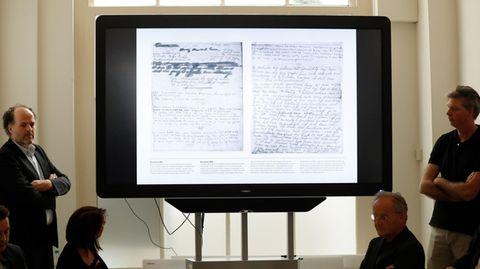 Die Anne Frank Stiftung präsentiert zwei bislang unlesbare Seiten aus dem Tagebuch von Anne Frank