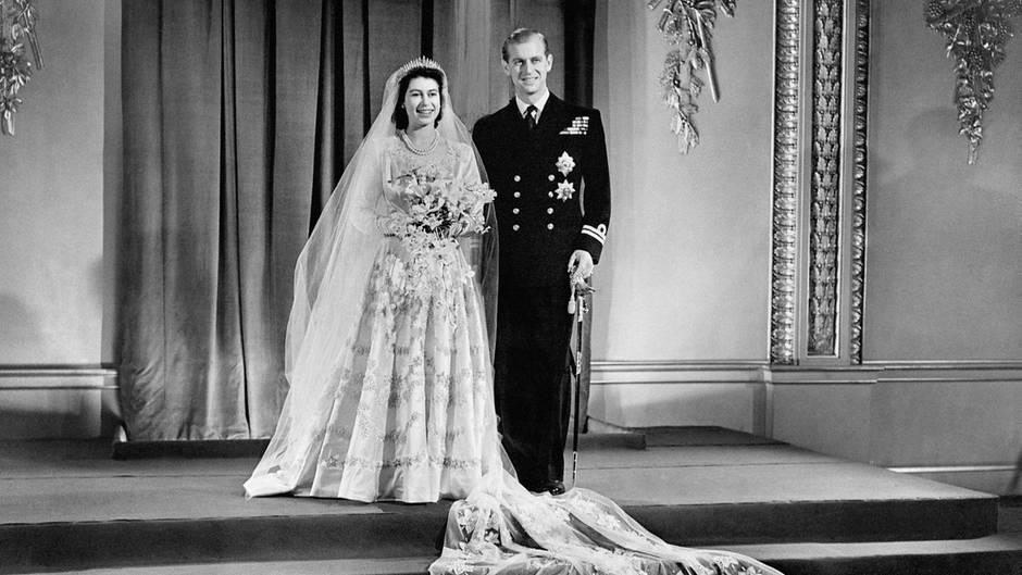 Von der Queen bis Kate: Die Hochzeitskleider der britischen Royals ...