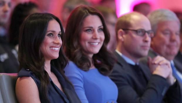 Als Schwägerinnen eint Meghan und Catherine, dass sie nicht aus adeligen Familien kommen