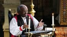 Bischof Michael Curry steht bei der Hochzeit von Prinz Harry und Meghan Markle auf der Kanzel und predigt