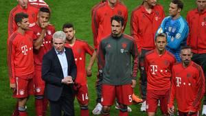 Die Spieler des FC Bayern München verschwanden nach ihrem Teil der Siegerehrung wortlos in der Kabine