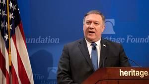 US Außenminister Mike Pompeo stellt vor der konservativen Heritage Stiftung Washingtons neue Strategie im Umgang mit dem Iran vor