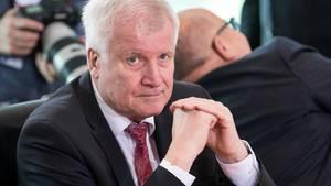 Machtwort von Innenminister Horst Seehofer: Die Bremer Außenstelle des Bamf darf bis auf weiteres keine Asylentscheidungen mehr treffen