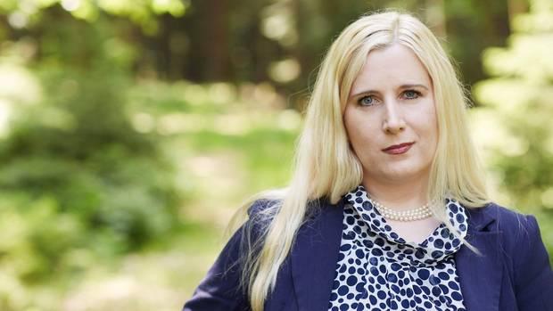 Josefa Schmid sorgt mit ihren Veröffentlichung für Unruhe im Bamf - und bei Horst Seehofer