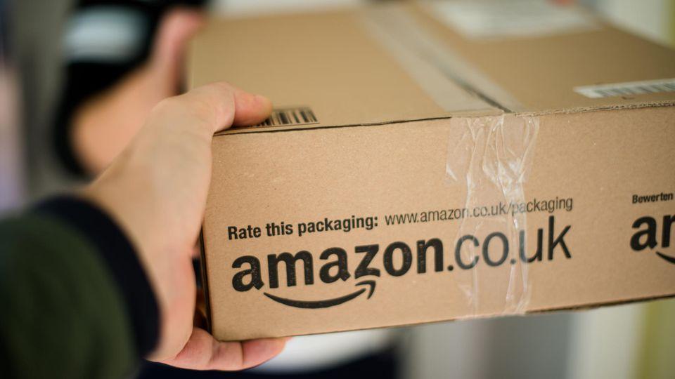 Eine Studentin lässt sich, ohne zu zahlen, mehrere Monate von Amazon Pantry, dem Lebensmittelhandel von Amazon, beliefern