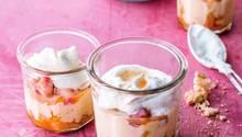 Die Herausforderung der Schichtspeise ist nicht der Rhabarber, es ist die frische Puddingcreme