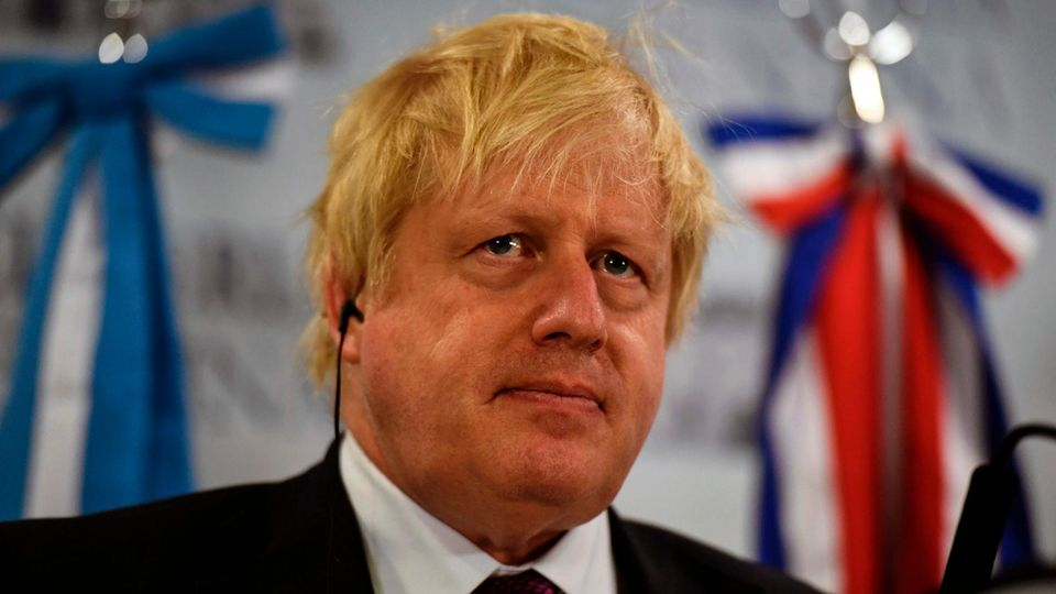 Telefonstreich: Britischer Außenminister Boris Johnson fällt auf Kreml-nahe Komiker herein