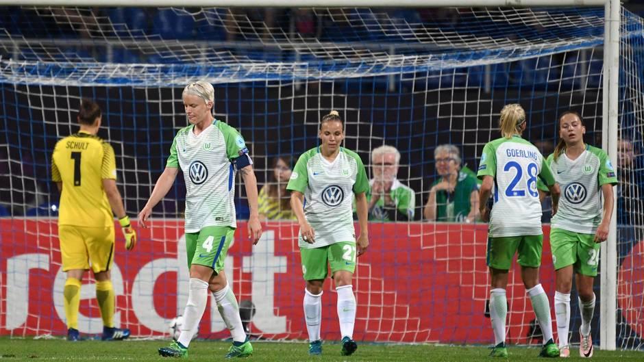 Wolfsburg verpasst zweites Triple - 1:4 gegen Titelverteidiger Lyon