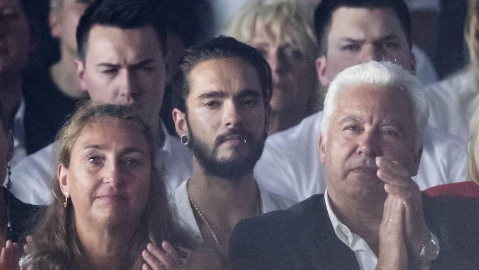Gntm 2018 Tom Kaulitz Sitzt Bei Heidi Klums Topmodel Finale Im