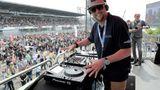 DJ- Smudo von den Fantastischen Vier legt vor dem Start lautstark auf