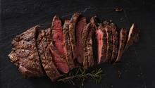 Platz 3: Rindfleisch 15.490 Liter pro Kilogramm