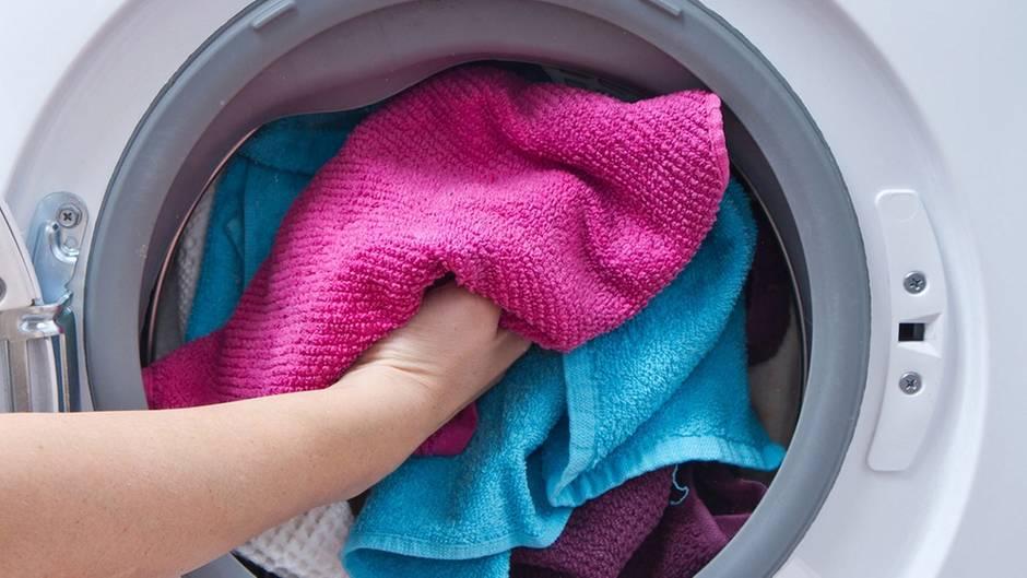 Ungewöhnliches Waschmittel: Mit diesem Gewürz bekommen Sie den grauen Schleier aus Ihrer Wäsche