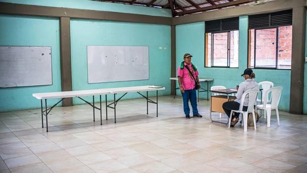 Im Indianergebiet: eine Kandidatin und nur ein Wähler, der etwas von ihr wissen will. Und sie wohl nicht wählt