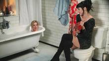 "Szene aus der Serie ""Apartment 23"""