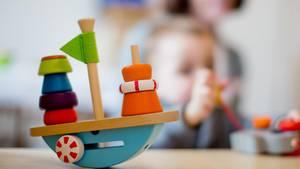"""Bertelsmann-Studie """"ElternZoom 2018"""": Familien durch Kita-Beiträge ungleich belastet"""