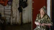 Einst war das Haus von Lidija Krasnoschokowa ein hübscher Altbau aus roten und weißen Ziegeln. Doch nun verfault es.