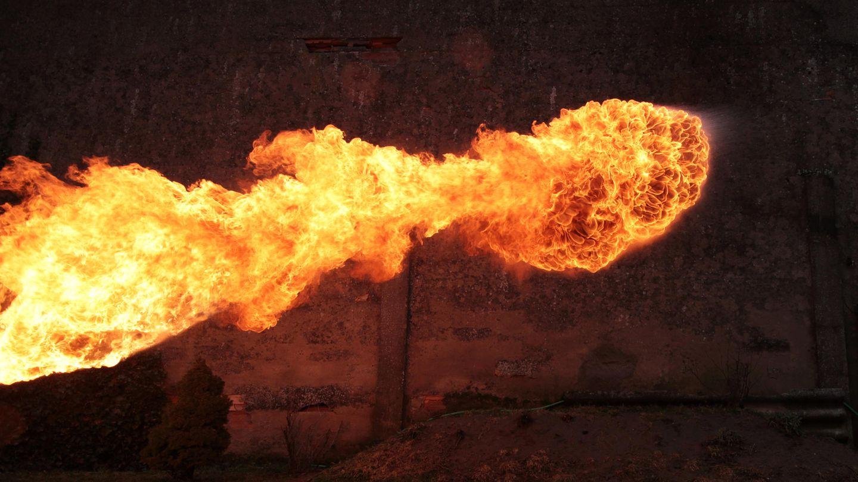 Feuer aus Feuerwerfer