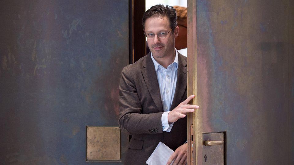234 Flaschen Champagner für 34 Abgeordnete: Rechtspopulisten im EU-Parlament in der Kritik