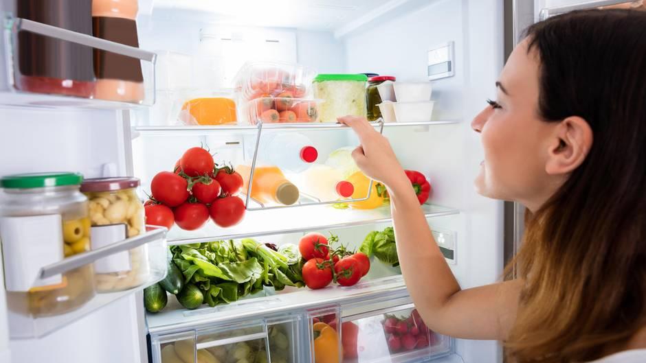 Keine Kühlung erforderlich: Diese Lebensmittel gehören nicht in den Kühlschrank - und viele lagern sie doch dort