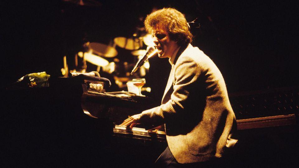 Billy Joel als junger Wilder am Klavier