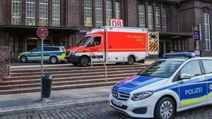 Ein Krankenwagen vor dem Flensburger Bahnhof