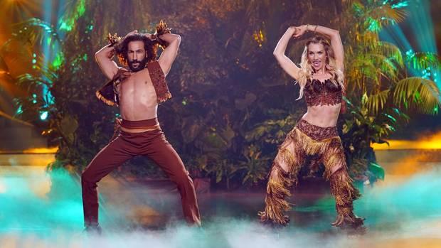 Da erblasst sogar Winnetou vor Neid: Julia Dietze und Massimo Sinató tanzen Samba