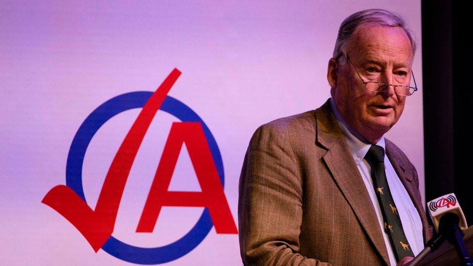 """Zwölf Jahre Nazi-Diktatur als """"Vogelschiss"""": AfD-Fraktionschef Alexander Gauland vor der Jungen Alternative"""